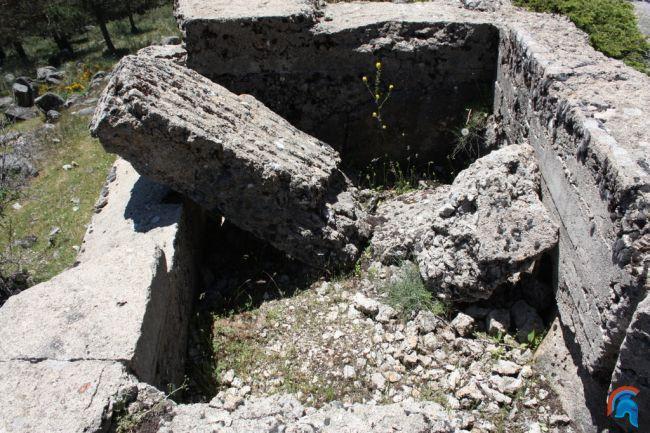 Tercer conjunto de parapetos posición La Sevillana