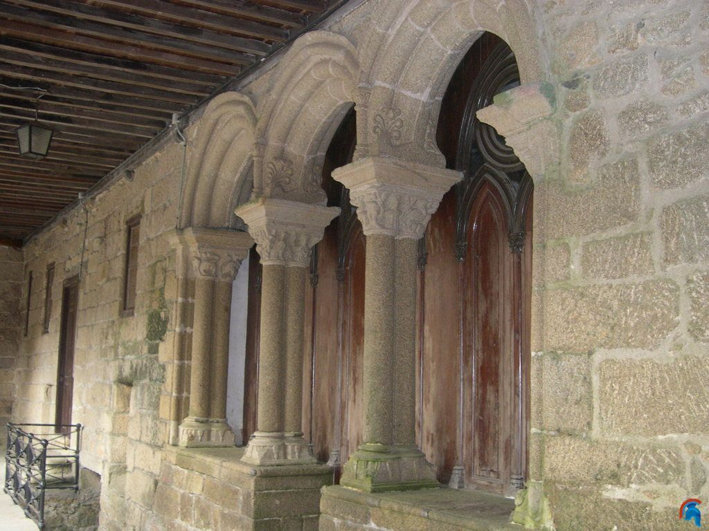 Monasterio de Santa Catalina de Ares o de Montefaro