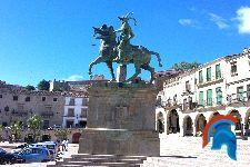 Estatua de Francisco Pizarro