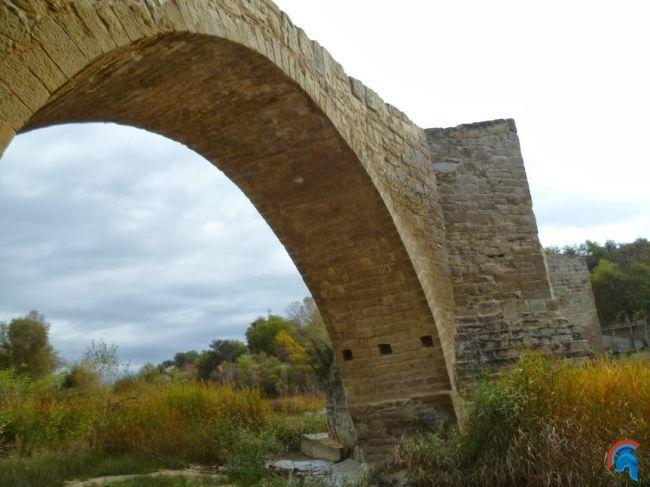 Puente románico de Capella
