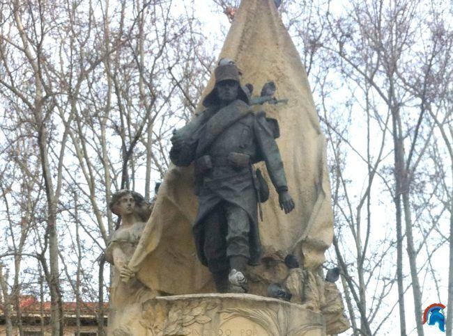 Estatua del cabo Luis Noval Ferrao