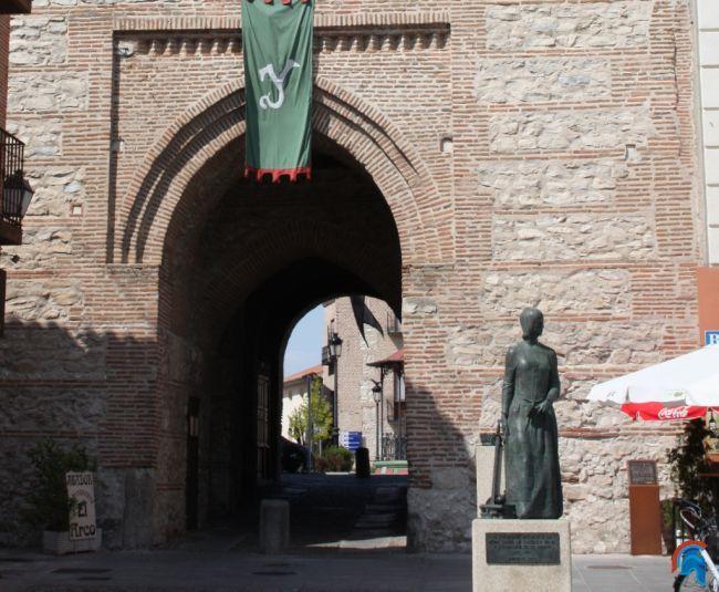 Arco o Puerta de Alcocer en Arévalo