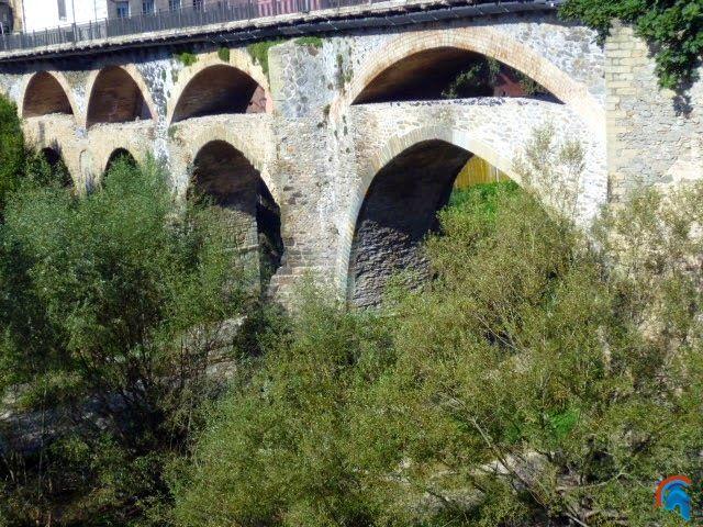Puente Viejo de Roda de Ter
