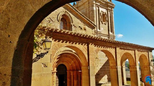 Iglesia de San Andrés Apóstol, Monjardin