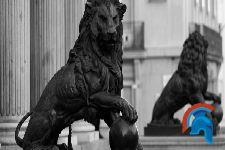 Los leones de las cortes
