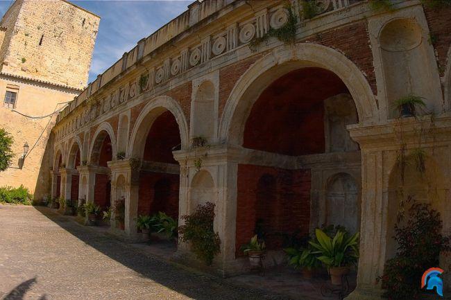 Castillo-Palacio de los Ribera de Bornos