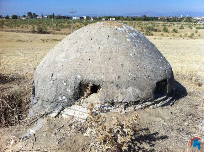 Bunkers de Brunete detras de gasolinera