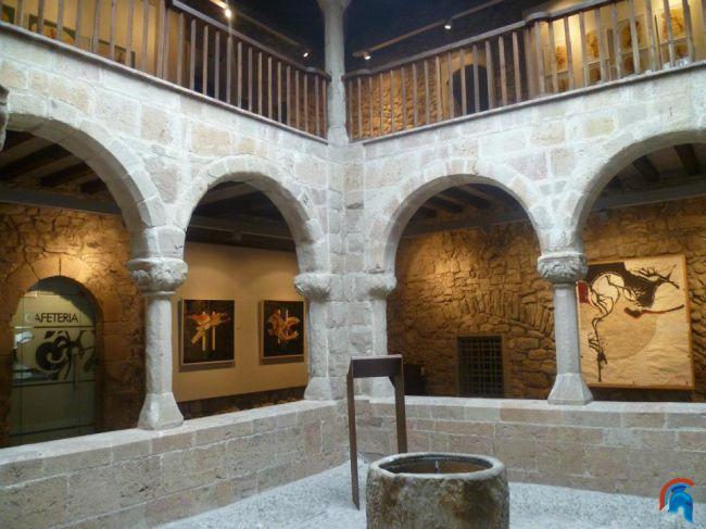 Palacio de la abadia de  Sant Joan de les Abadesses