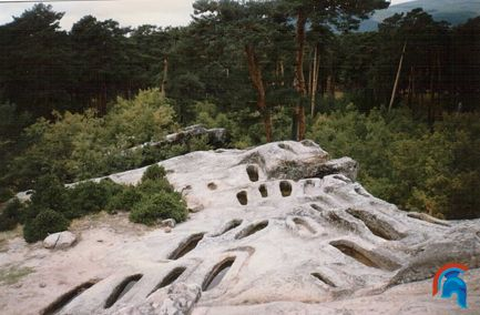 Necrópolis medieval de Quintanar de la Sierra