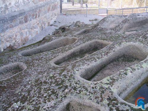 Necrópolis medieval de Sieteiglesias