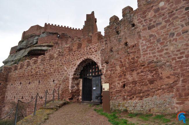 Castillo de peracense for Arquitectura militar