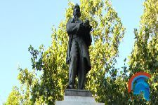 Estatua de Claudio Moyano