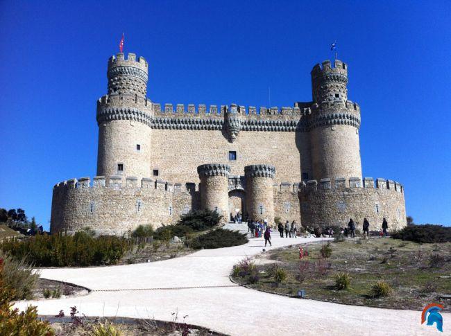 Castillo de manzanares del real for Arquitectura militar
