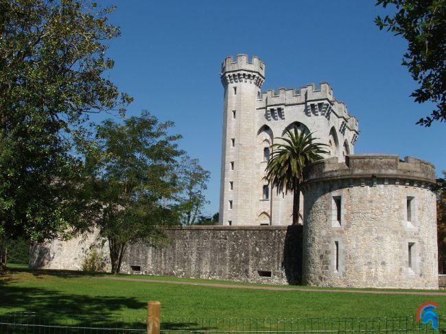 Castillo Palacio De Arteaga