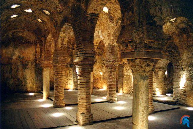 Baños Arabes Andalucia:Los baños árabes de Ronda son una obra nazarí del s XIII Ubicados